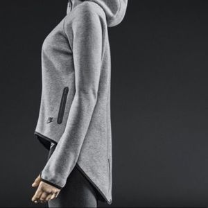 6910921faae0 Nike Tops - Women s Nike Tech Fleece Cape